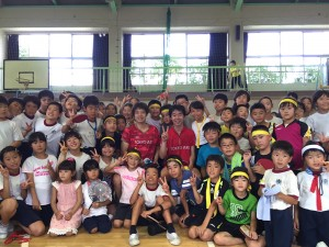 江戸川区東部地区卓球交流会に集まった子供達