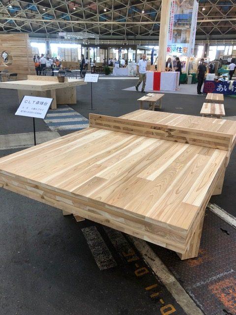 時価数百万の卓球台 全て木材使用
